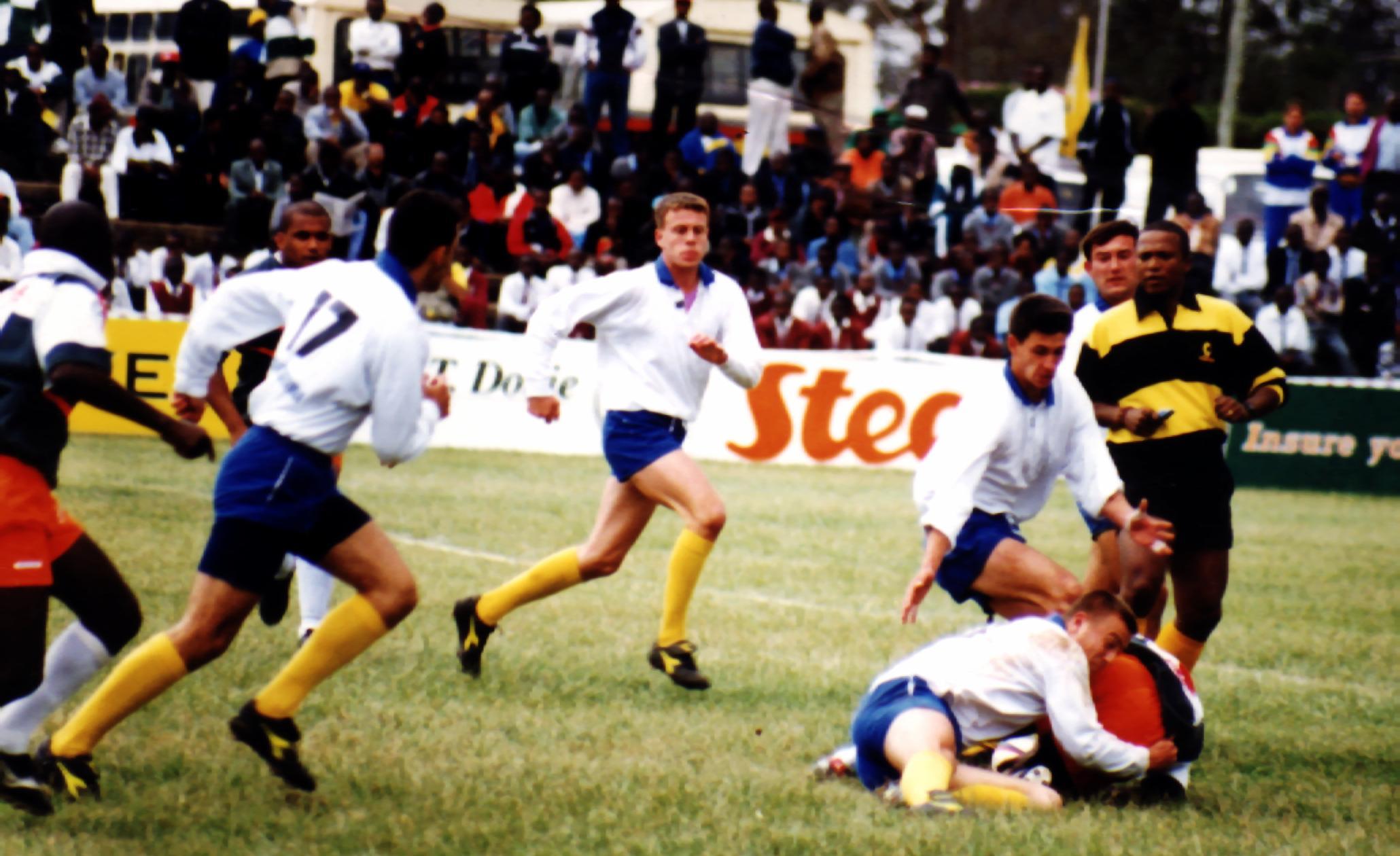 Mudiwa Mundawarara in action in Nairobi, 1995 / © Mudiwa Mundawarara